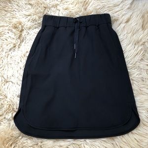 NWOT Lululemon Black On the Fly Skirt